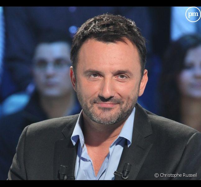 """Frédéric Lopez présente """"Leurs secrets du bonheur"""""""