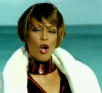 Whitney Houston - Heartbreak Hotel<br />