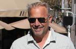 """Kevin Costner porte plainte contre les producteurs de """"Robin des Bois"""""""