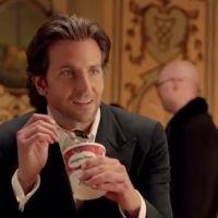 Pub : Bradley Cooper met sa séduction au service d'Häagen-Dazs