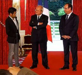 Jamel Debbouze et François Hollande lors de la remise du...
