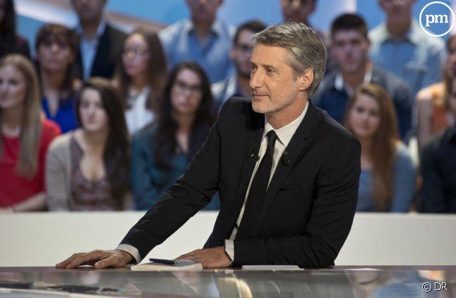 Invité par Canal+, le journaliste de RMC Daniel Riolo a été prié par sa direction de rebrousser chemin.