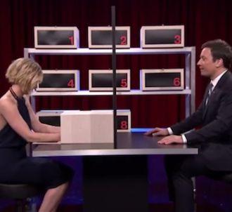 Jennifer Lawrence et Jimmy Fallon jouent à la Boîte à...