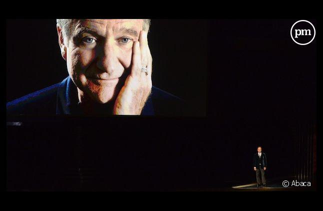 Billy Crystal a rendu hommage à Robin Williams lors des Emmy Awards