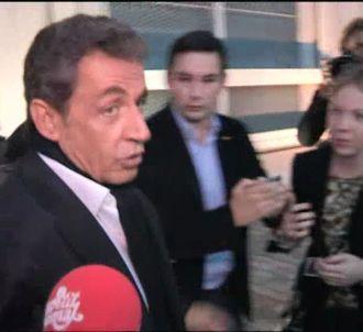 Un sonotone pour Nicolas Sarkozy.
