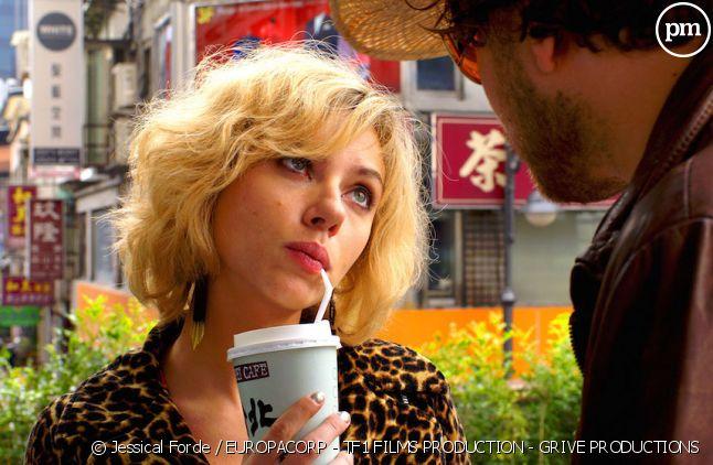 """""""Lucy"""" est le plus gros succès du cinéma français à l'international en 2014"""