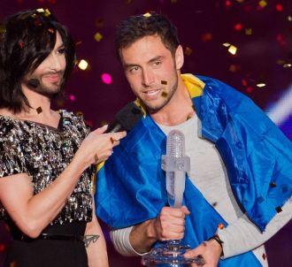 Conchita Wurst remet son trophée à <span>Måns...