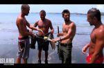 """""""The Island"""" : Les naufragés capturent un pélican pour le manger"""