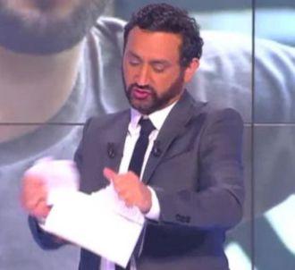 Cyril Hanouna déchire la biographie de Kendji en direct