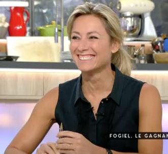 Anne-Sophie Lapix déplore qu'Yves Calvi ne lui passe...