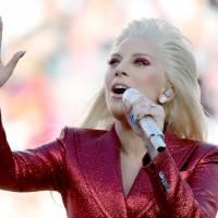 Super Bowl 2016 : Lady Gaga brille sur l'hymne américain
