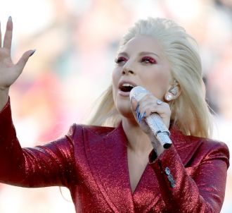 Lady Gaga chante l'hymne américain au Super Bowl 2016