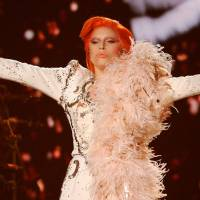 Grammy Awards 2016 : L'incroyable hommage de Lady Gaga à David Bowie