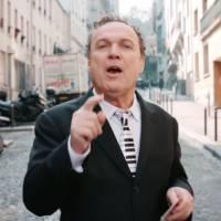 Pub : Julien Lepers récompense une #PetiteVictoire pour Volvic Juicy
