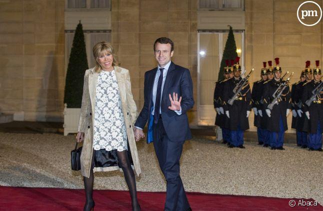 """Brigitte et Emmanuel Macron """"en marche"""""""