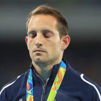 Rio 2016 : Très ému, Renaud Lavillenie sifflé lors de la remise des médailles