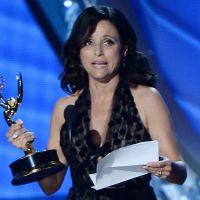 Emmy Awards 2016 : Julia Louis-Dreyfus fond en larmes en évoquant la mort de son père