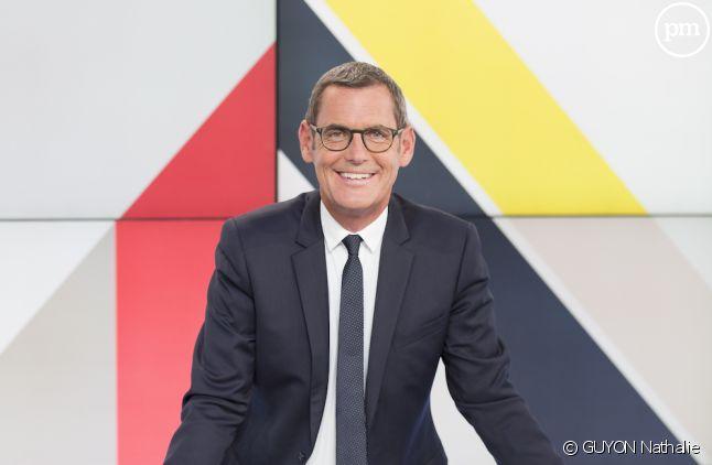 """Francis Letellier anime """"Dimanche en politique"""" sur France 3"""