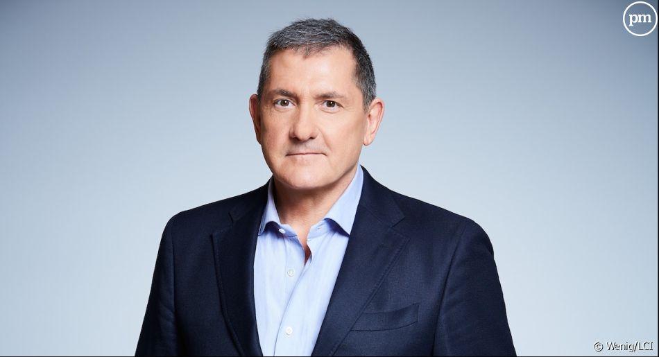 """Yves Calvi anime la matinale de RTL et """"L'info du vrai"""" tous les soirs sur Canal+"""