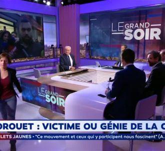Sarah Legrain, cadre de La France insoumise, quitte...