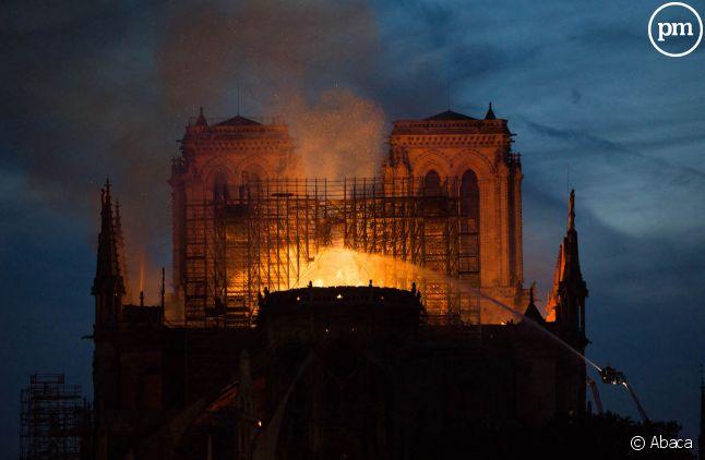La cathédrale Notre-Dame de Paris en flammes le lundi 15 avril 2019.