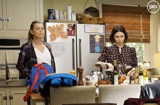 """Ellen Pompeo et Caterina Scorsone dans la saison 16 de """"Grey's Anatomy"""""""