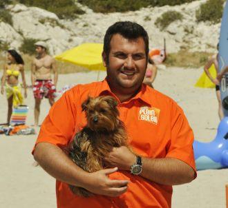 Laurent Ournac dans la série 'Camping Paradis' sur TF1