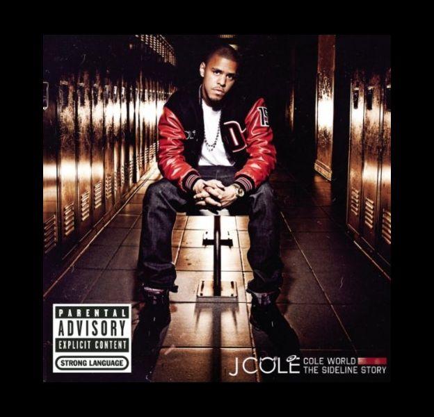 """1. J. Cole - """"Cole World: The Sideline Story"""" / 218.000 ventes (Entrée)"""