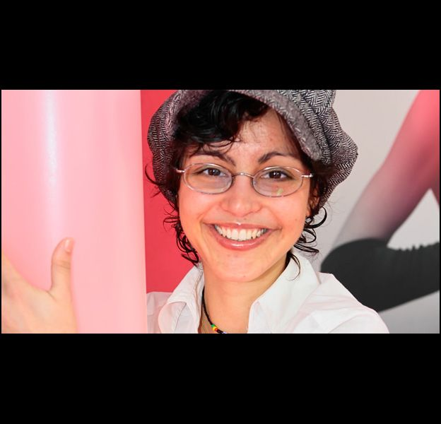 """Caroline dans le premier épisode de la deuxième saison de """"L'Amour est aveugle"""", le 21 octobre 2011 sur TF1."""
