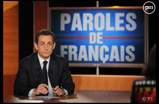 """Nicolas Sarkozy sur le plateau de """"Paroles de Français"""", en 2011"""