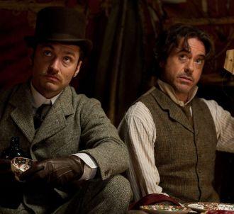 Robert Downey, Jr. et Jude Law dans 'Sherlock Holmes 2 :...