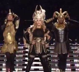 Madonna assure la mi-temps du Super Bowl