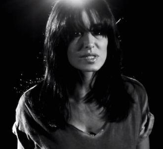 Jenifer dévoile une vidéo destinée au web pour 'L'amour...