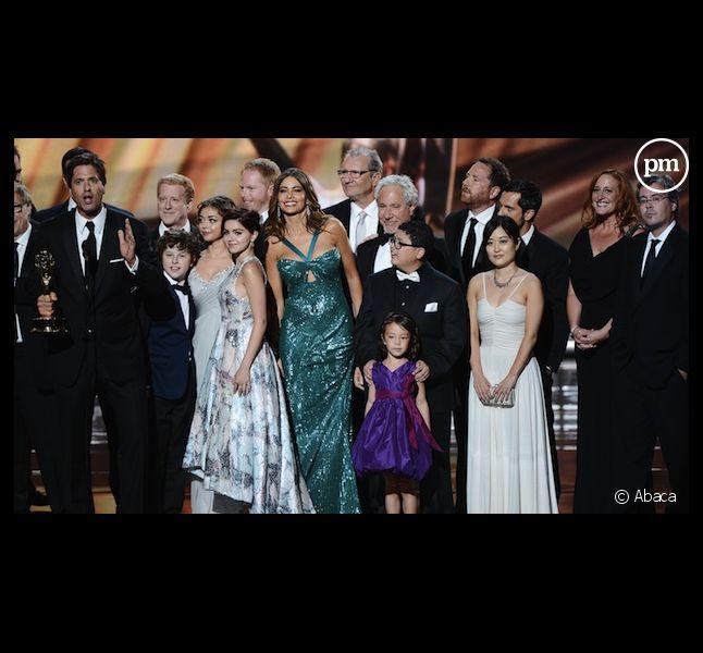 """L'équipe de """"Modern Family"""" lors des Emmy Awards 2012"""
