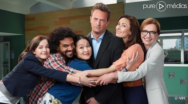 "Le cast de ""Go On"" autour de Matthew Perry"