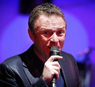 Christophe Hondelatte dévoile 'Cybernight'