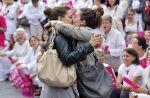 Un baiser lesbien affole les réseaux sociaux