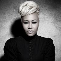 Charts UK : les ventes d'albums explosent, Emeli Sandé dépasse le million