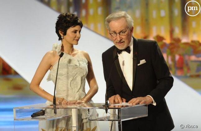 Audrey Tautou, maîtresse de cérémonie, et Steven Spielberg, hier soir à Cannes