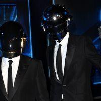 Charts UK : Daft Punk toujours en tête, Rod Stewart de retour au top