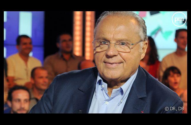 """Gérard Louvin, dans """"Touche pas à mon poste""""."""