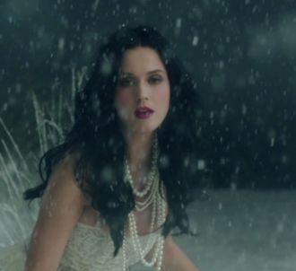 Katy Perry dévoile le clip de 'Unconditionally'