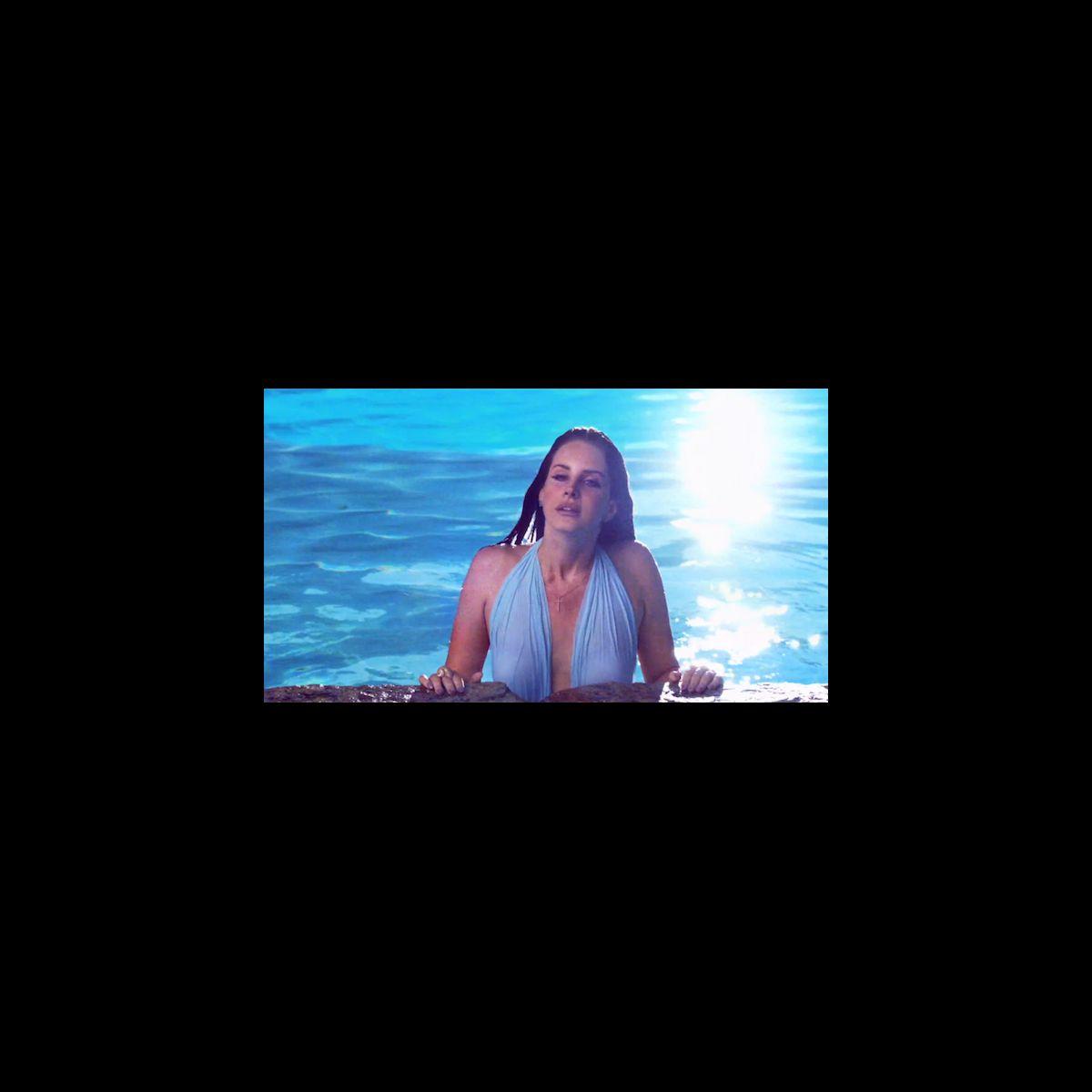 Clip lana del rey au fond de la piscine dans shades of for Au fond de la piscine chanson