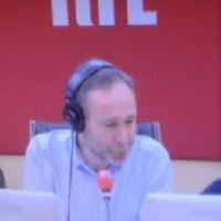 Laurent Bazin, ému, fait ses adieux à la matinale de RTL