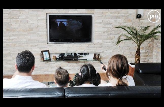 Le CNC veut des films visibles plus rapidement à la télévision