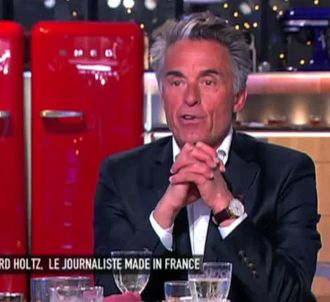 Gérard Holtz joint plus facilement Manuel Valls que...