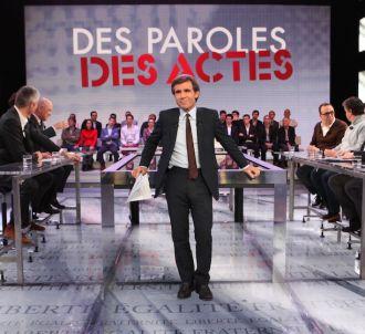 <span>David Pujadas sur le plateau de 'Des Paroles et des...