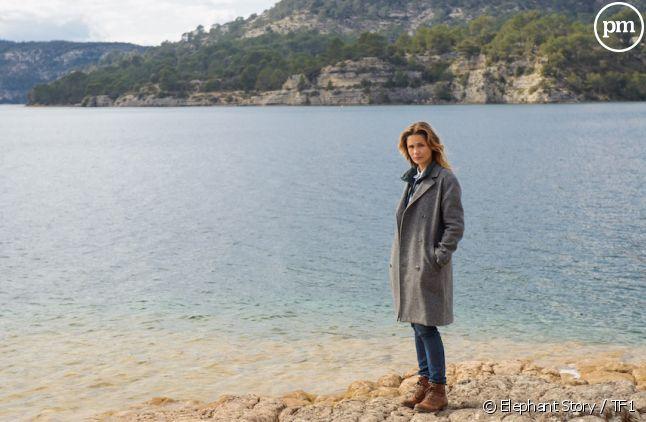 """<div class=""""desc pair"""">Barbara Schulz dans """"Le Mystère du Lac""""</div>"""