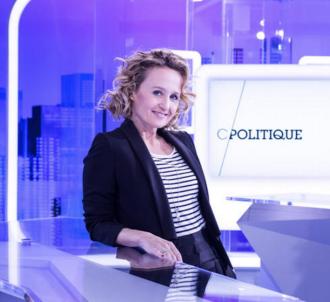 Caroline Roux présente 'C Politique'