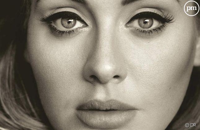 """L'album """"25"""" d'Adele quitte le top 10 français"""